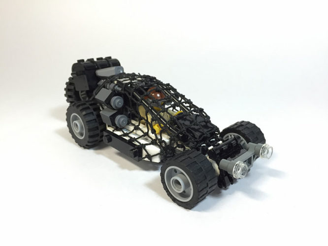mad-max-un-fan-a-recree-les-vehicules-de-la-saga-en-lego-10