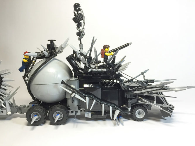mad-max-un-fan-a-recree-les-vehicules-de-la-saga-en-lego-11