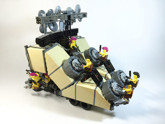 mad-max-un-fan-a-recree-les-vehicules-de-la-saga-en-lego-14