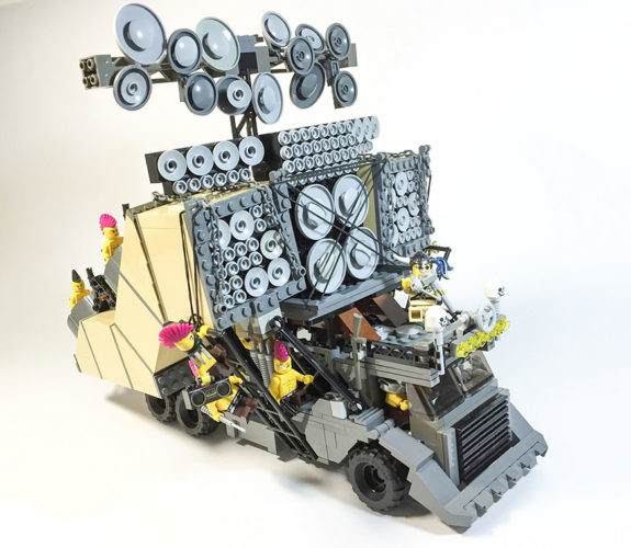 mad-max-un-fan-a-recree-les-vehicules-de-la-saga-en-lego-15